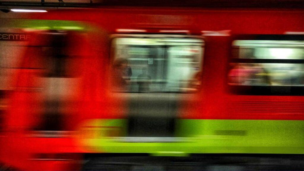 El Metro de la CDMX cumplió 52 años de servicio.
