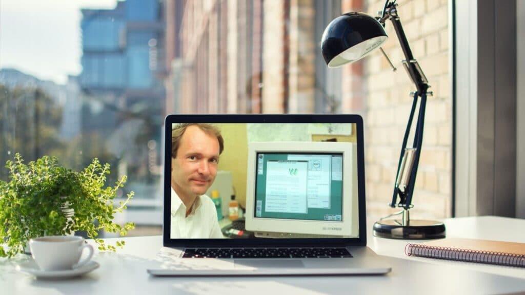 Tim Berners-Lee subastará en NFT el código original de la www.